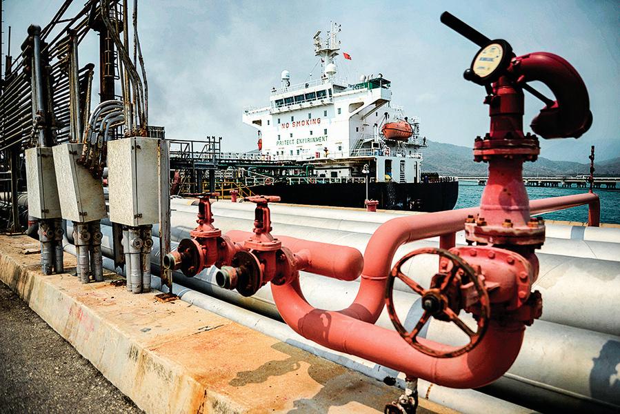 中共採購伊朗原油創兩年新高