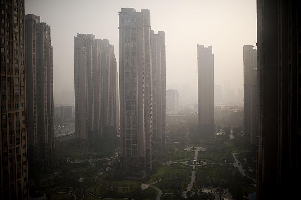 大陸今(3月15日)公佈70個大中城市住宅價格指數,二、三線城市繼續落後於一線,貧富懸殊正加劇。(NICOLAS ASFOURI/AFP via Getty Images)