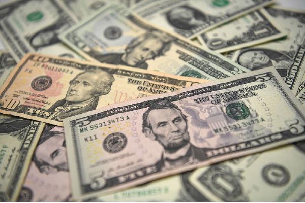 數據顯示,美元/日元(USD/JPY)價格週五(美東時間3月12日)零時從108.70日元價位開始強勁上漲。(OZAN KOSE/AFP via Getty Images)