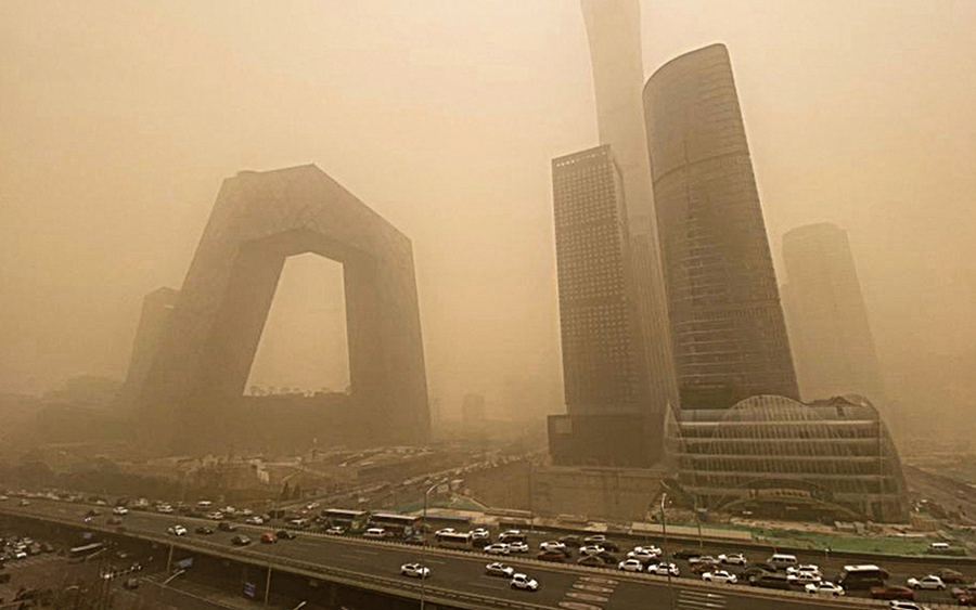 沙塵暴襲12省 北京早晨如黃昏
