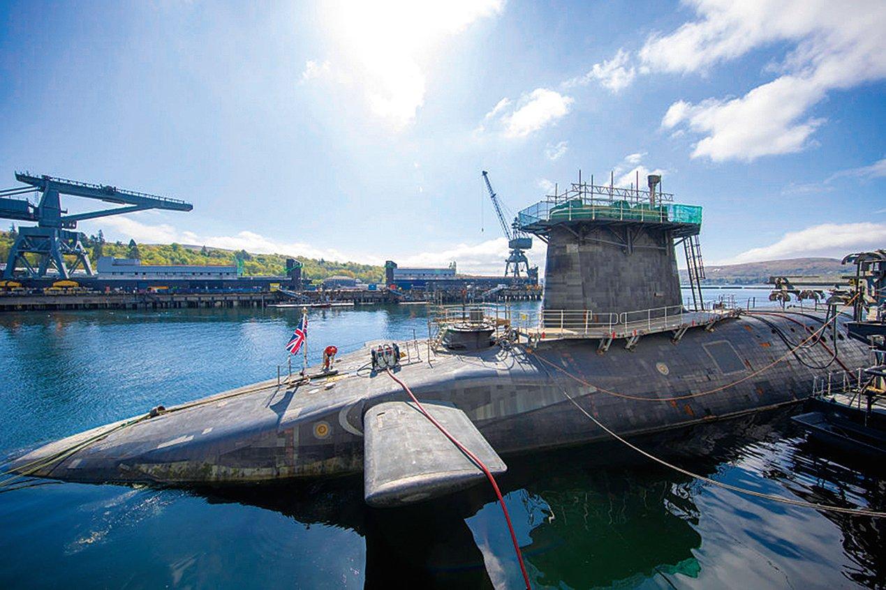 2019年4月29日,在蘇格蘭法斯蘭,搭載英國三叉戟核威懾力量的HMS「警戒者」號的總圖。(Getty Images)