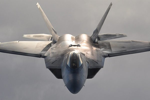圖為美國空軍一架F-22猛禽(Raptor)戰機。(Tech. Sgt. Dana Rosso美國空軍)