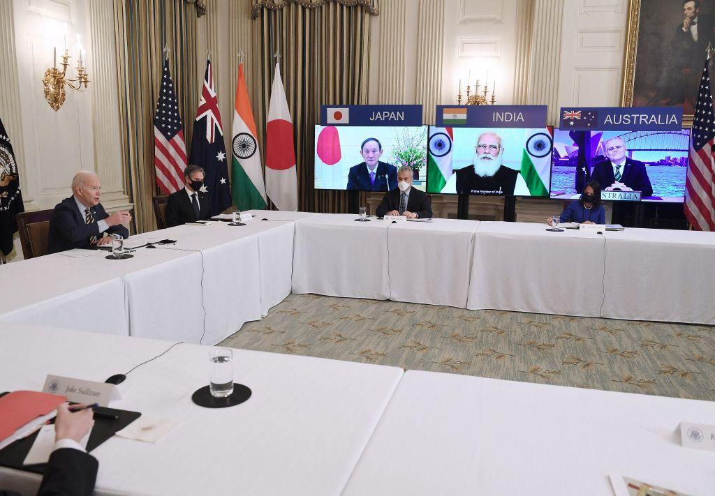 2020年3月12日,美國總統拜登(左一)與日、澳、印三國元首進行四方安全對話峰會。(OLIVIER DOULIERY/AFP via Getty Images)