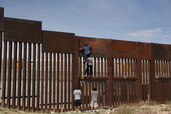白宮承認邊境難民問題嚴重 佩洛西言論引爆輿論