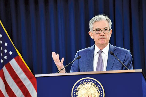 美聯儲在2021年3月的例會後,宣佈維持利率和購債幅度不變,並重申2023年以前不加息的立場。圖為聯準會主席鮑爾。(Mark Makela/Getty Images)