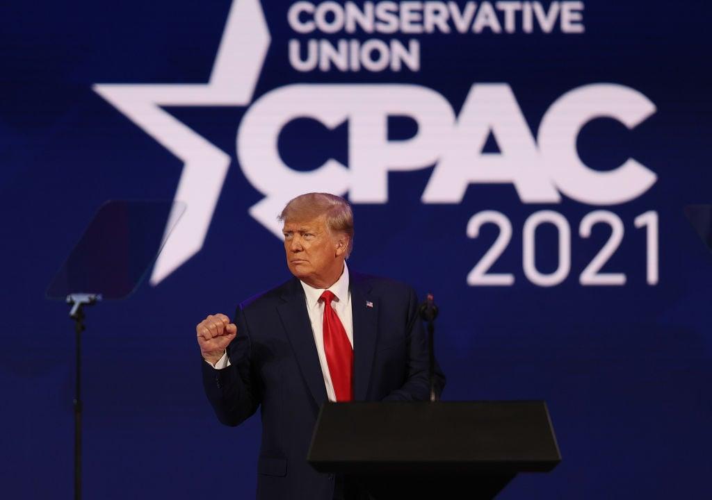 特朗普在2月28日於佛羅里達州舉行的保守派政治行動會議(CPAC)上發表演講時曾暗示,他可能會在2024年再次參選。(Joe Raedle/Getty Images)