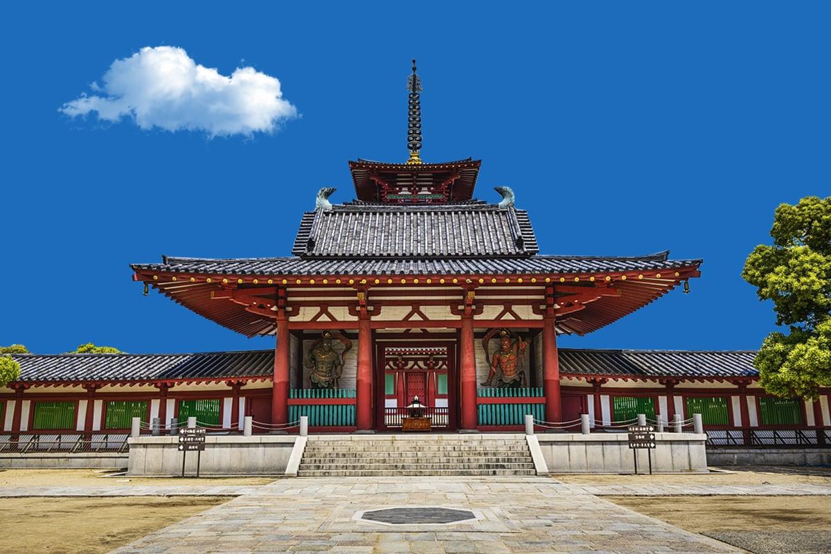 日本家族企業金剛組迄今1,400多年,經營秘訣卻是四句話;世界最古老的前十名企業中,九家在日本,為何日本企業如此厲害?(大紀元製圖)