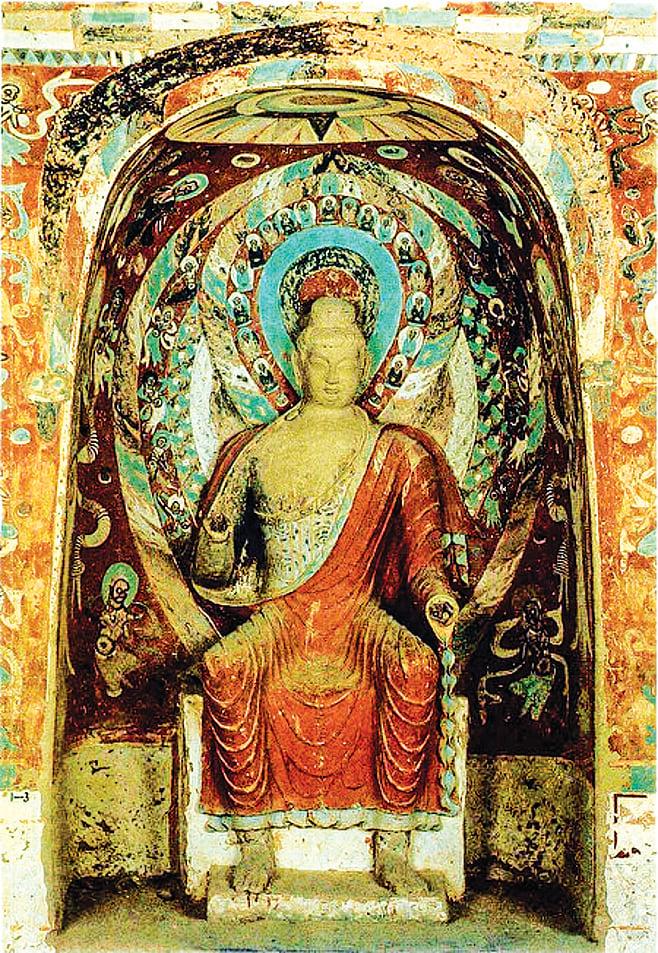 圖為敦煌莫高窟的北涼第272窟西壁佛龕內的佛塑像。(公有領域)