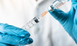 專家建議:第二劑疫苗副作用更大 須慎打