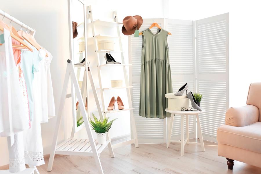 善用角落空間  小住家也能打造衣帽間