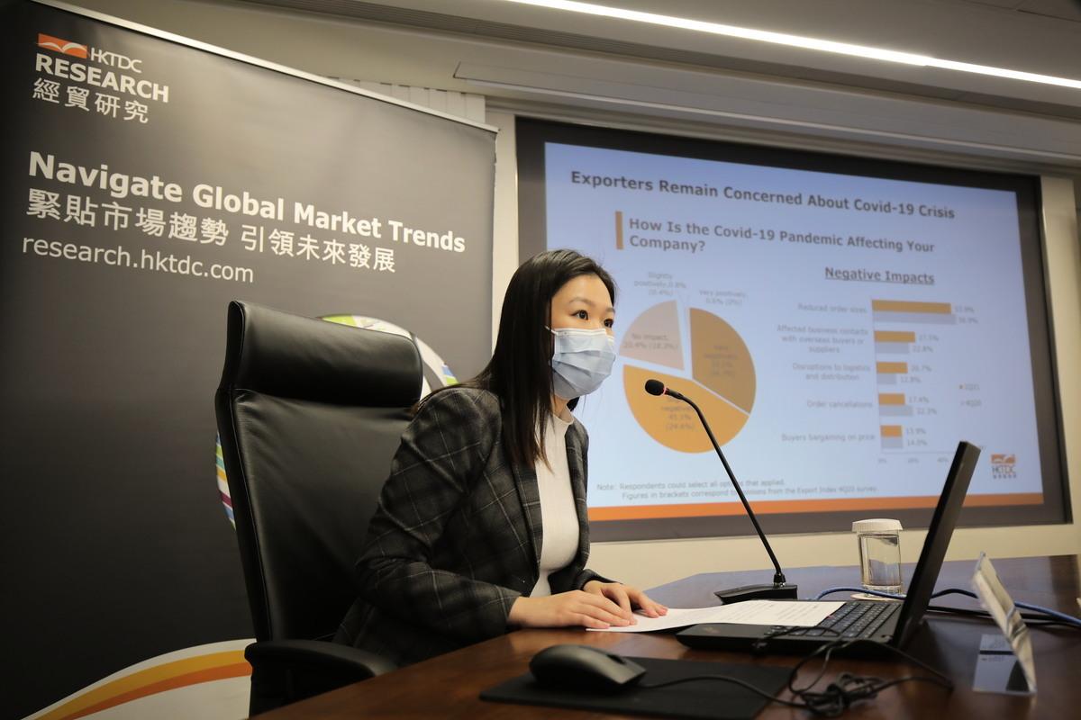 貿發局經濟師嚴穎彤指出,美國出口市前景轉向正面,中國內地及日本與上季相若,出口商對東盟及歐盟稍欠信心。(香港貿發局提供)