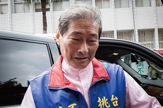 張安樂自曝培訓青年由綠轉紅 台高檢署偵辦
