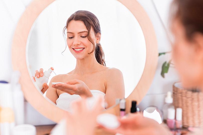 洗臉後可加強濕敷的化妝水,幫助肌膚鎖水。