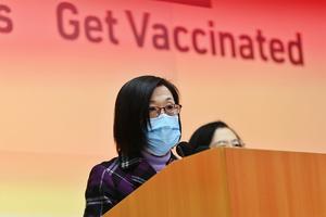 政府暫停接種復必泰疫苗