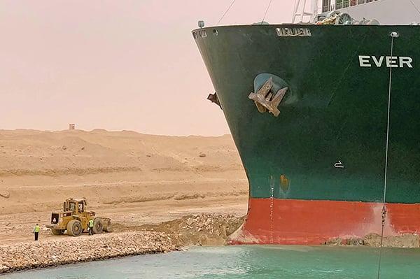 長榮貨輪卡蘇伊士運河 運河阻塞擾亂全球供應鏈