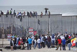 邊境非法移民激增 拜登派賀錦麗去應對