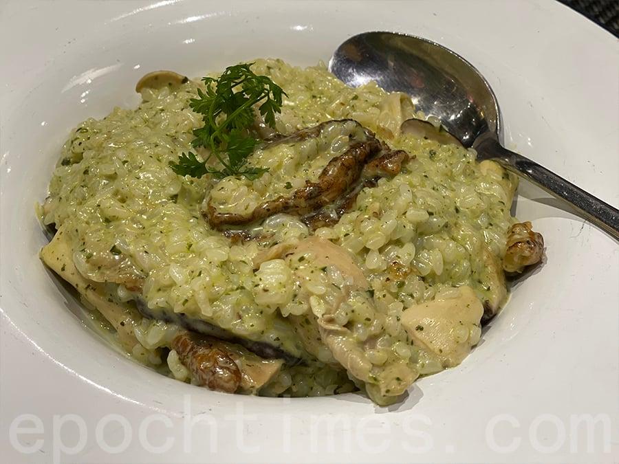 法國野菌鮑魚雞肉香草醬意大利燴飯。(Siu Shan提供)