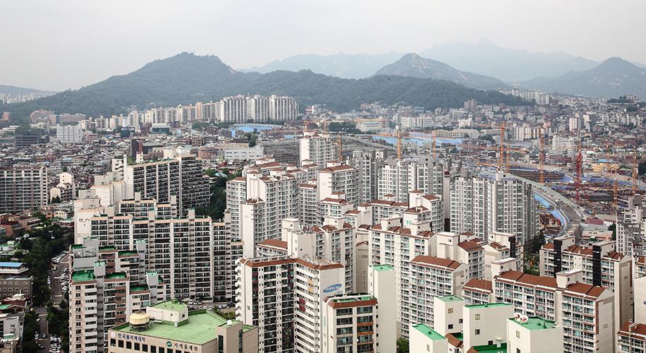 圖為南韓首爾公寓群。(全景林/大紀元)