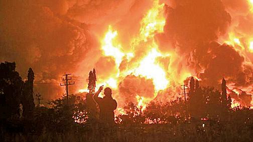 印尼煉油廠大火 近千人疏散