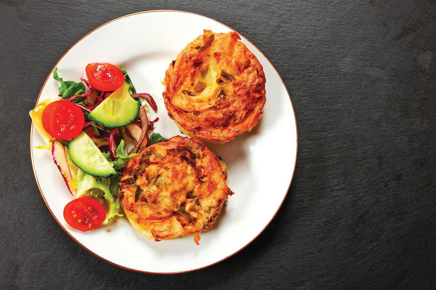 捲心菜煎馬鈴薯是善用剩馬鈴薯和剩菜煎出的派餅。