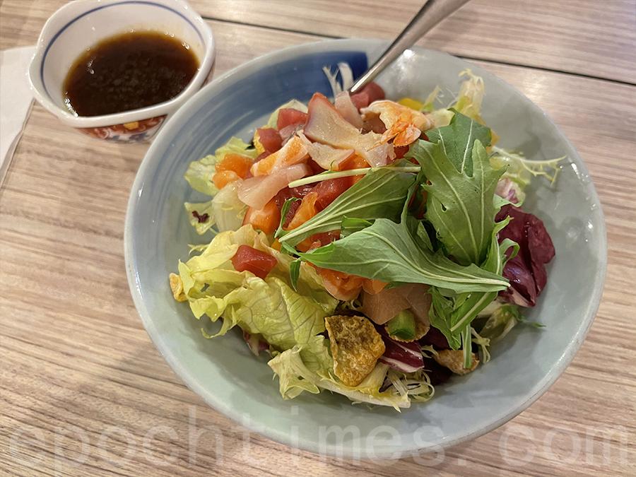 焱丸海鮮沙律。(Siu Shan 提供)