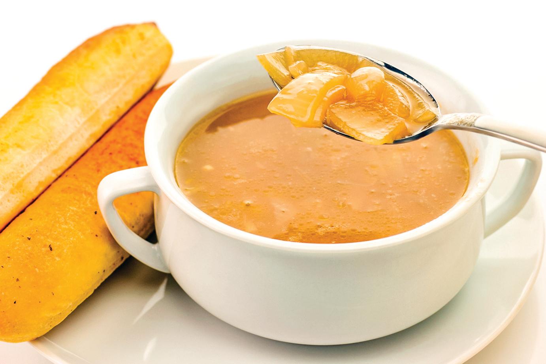 感冒時喝洋蔥湯,有助疏緩感冒,讓體力恢復比較快。