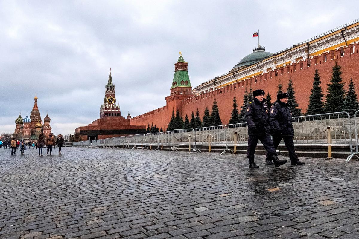拜登成了美國總統後,中俄兩國有意加緊「去美元」。圖為俄羅斯首度莫斯科紅場一景。(Yuri KADOBNOV / AFP)