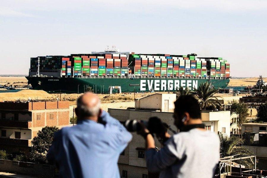 蘇伊士運河150年最大堵塞 全球多個商品開始漲價【影片】