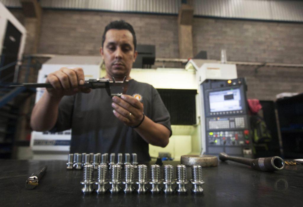 IHS Markit於巴西當地時間4月1日公佈3月份製造業PMI為52.8,相比上月的58.4急速減弱。(JULIO CESAR AGUILAR/AFP via Getty Images)