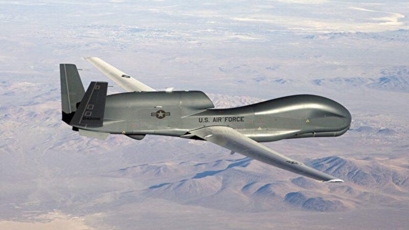 美空軍為第三次世界大戰做準備,美絶密隱形無人機RQ-180 傳已部署關島針對中共。RQ-180或取代不具備隱身性能的RQ-4全球鷹(上圖)高空無人偵察機。(公有領域)