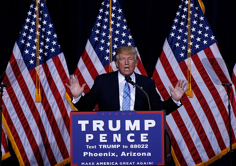 特朗普31日晚間在亞利桑那州鳳凰城發表移民政策演說。(Ralph Freso/Getty Images)