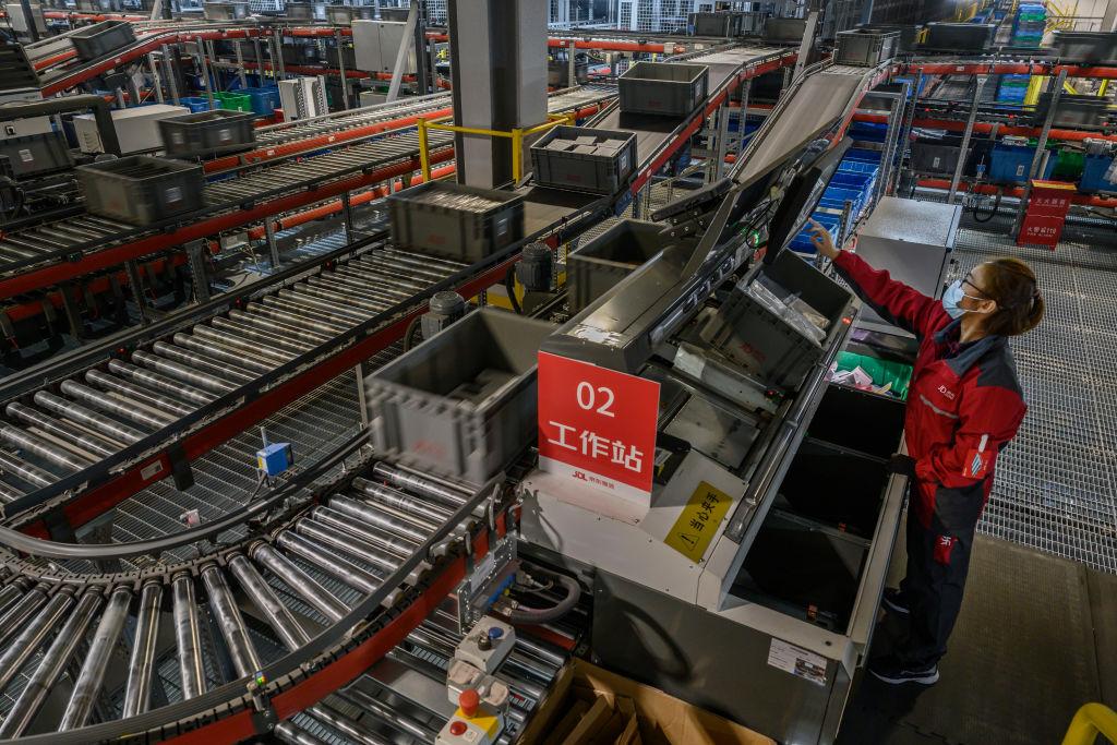 大陸今(4月9日)公佈工業生產者出廠價格,3月同比上漲4.4%,高於預期的上漲3.5%。(Kevin Frayer/Getty Images)