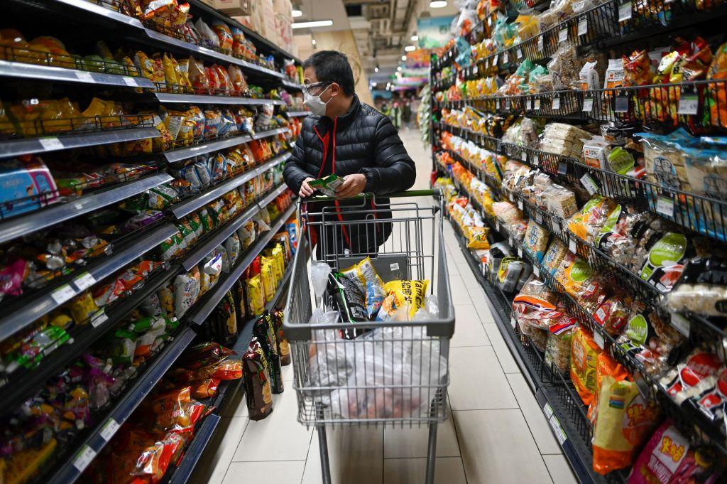 大陸今(4月9日)公佈居民消費價格指數,3月按年錄得通脹0.4%,高於預期。(WANG ZHAO/AFP via Getty Images)