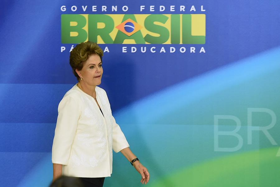 巴西參議院周三(31日)以61票對20票的懸殊比數,罷免女總統迪爾瑪・羅塞夫(Dilma Rousseff)。(EVARISTO SA/AFP/Getty Images)