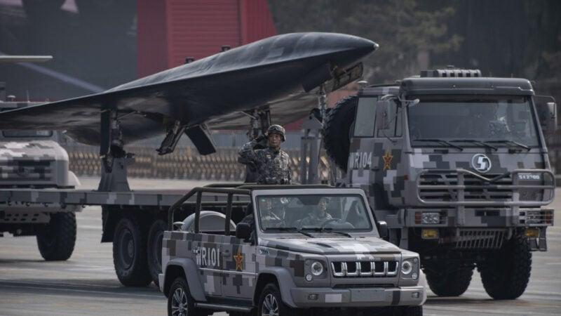 2019年10月1日,中共在天安門廣場舉行閱兵式時展示的軍用無人機。(Kevin Frayer/Getty Images)