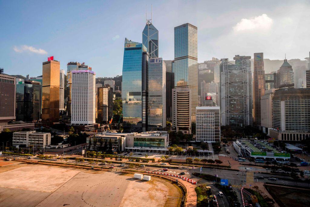 美聯發表的《商廈快訊》報告顯示,香港今年首季甲廈售價累升4.5%,但租金下跌0.6%。(ANTHONY WALLACE/AFP via Getty Images)