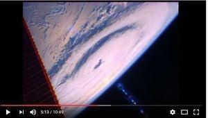 從413公里高空看地球上三大颶風