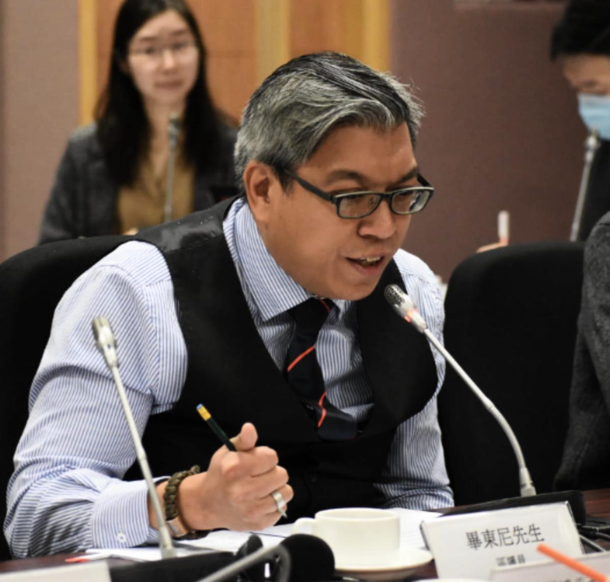 公民黨區議員畢東尼因健康理由請辭,並退出香港政壇。(畢東尼區議員辦事處Facebook圖片)