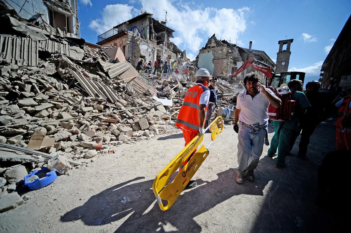 8月24日,意大利中部發生黎克特制6.2級地震,古城阿馬特里切幾乎夷為平地。(AFP)