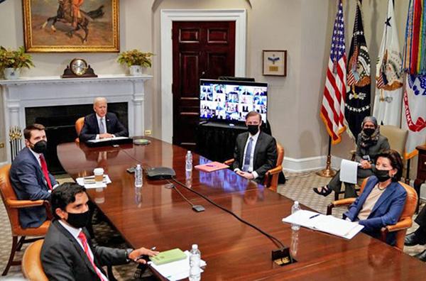 4月12日,白宮召開半導體行政總裁視像峰會。(Amr Alfiky-Pool/Getty Images)