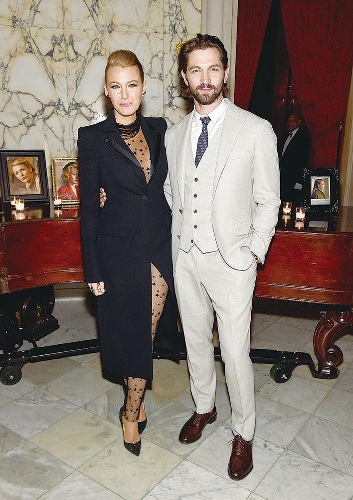 卡其色西裝可配襯棕色皮鞋,但不可配黑色鞋。(Getty Images)