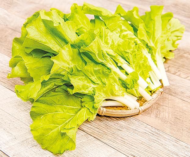 小白菜在中醫觀點裏屬於比較寒的菜,可加溫熱性質的薑絲去平衡。