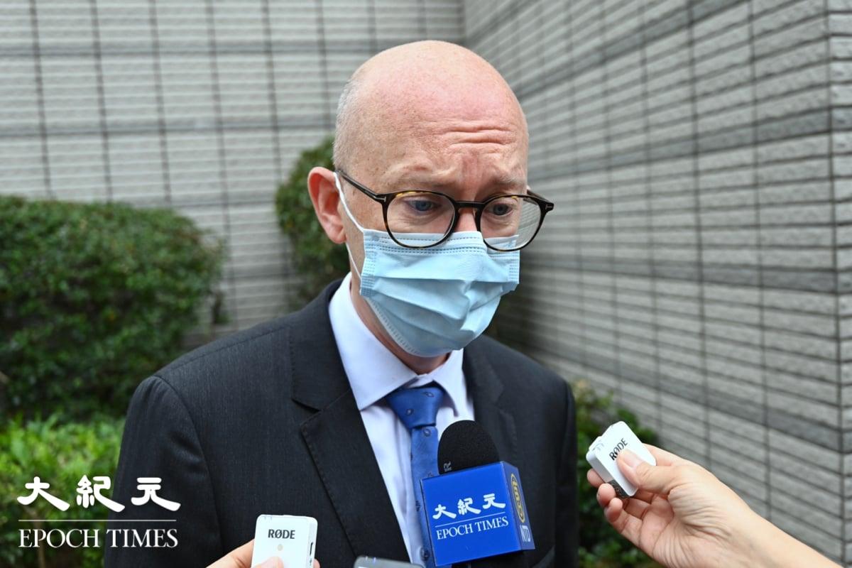 歐盟駐港辦事處Charles Whiteley向《大紀元》表示,歐盟27國外長密切關注今(4月16日)案件。(宋碧龍/大紀元)