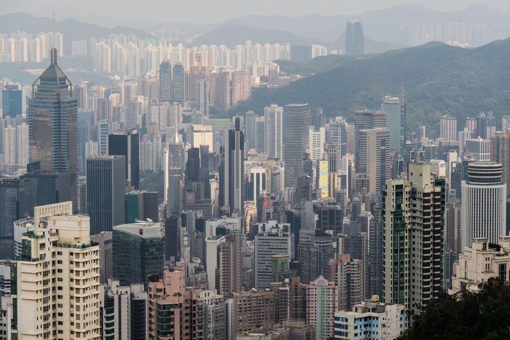 中原城市領先指數CCL今(4月16日),公佈截至11/4香港樓價一周下跌0.75%。(ANTHONY WALLACE/AFP via Getty Images)