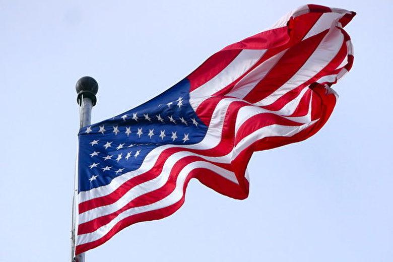 美國國家五大情報部門發佈報告指,中共對美國國家安全構成最大威脅。加拿大安全情報局報告顯示,中共在加拿大的間諜活動達冷戰以來最高水平。圖為美國國旗。(大紀元 / 李辰)