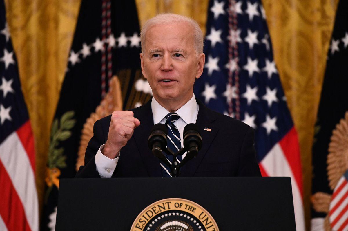 4月15日,美國白宮宣佈,對俄羅斯個人和實體作出經濟制裁,並驅逐十名外交官。圖為2021年3月25日,美國總統拜登在華盛頓白宮東廳舉行的首次新聞發佈會。(JIM WATSON / AFP via Getty Images)
