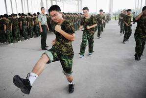 中共強制學生軍訓 疑全民備戰應對變局