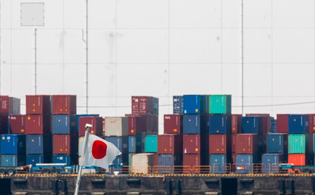 日本今(4月19日)公佈3月出口按年上升16.1%至73,781億日圓,貿易順差6,637億日圓。(BEHROUZ MEHRI/AFP via Getty Images)