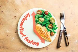 斷食「可控傷害」增強健康飲食效果