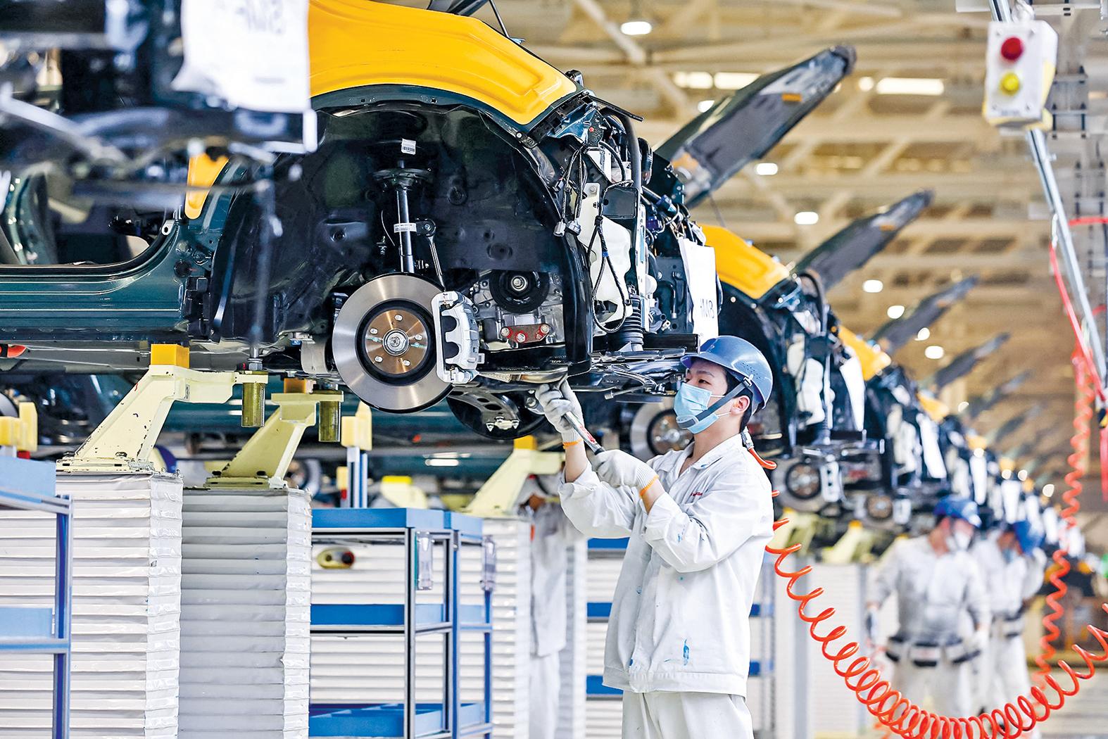 中共最害怕恐懼的第五項-經濟脫鉤。圖為湖北省武漢市東風本田汽車廠的裝配線。(Getty Images)